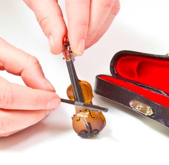 world-s-smallest-violin